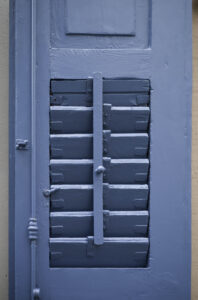 Fensterladen in blau – Karl Röser