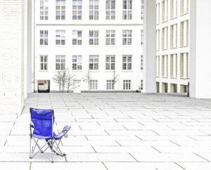Blauer Stuhl – Karl Röser